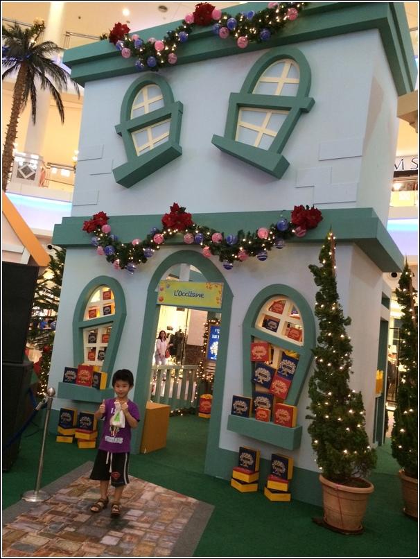 Curve Christmas decor_4