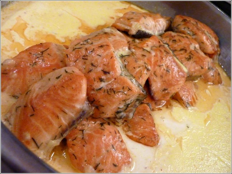 Pan-Fried Salmon Fillet with Caviar Cream Sauce