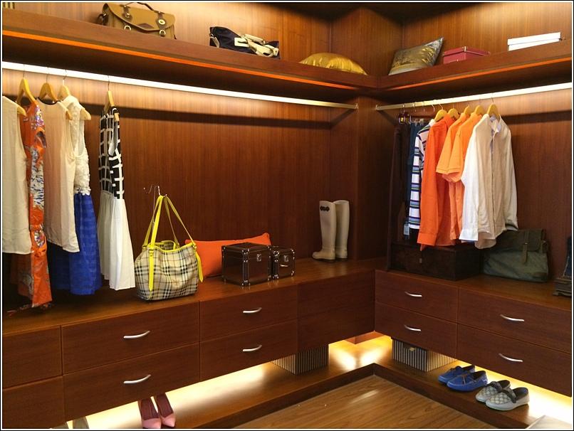 Diamond City Semenyih Mansion Walk In Closet 1