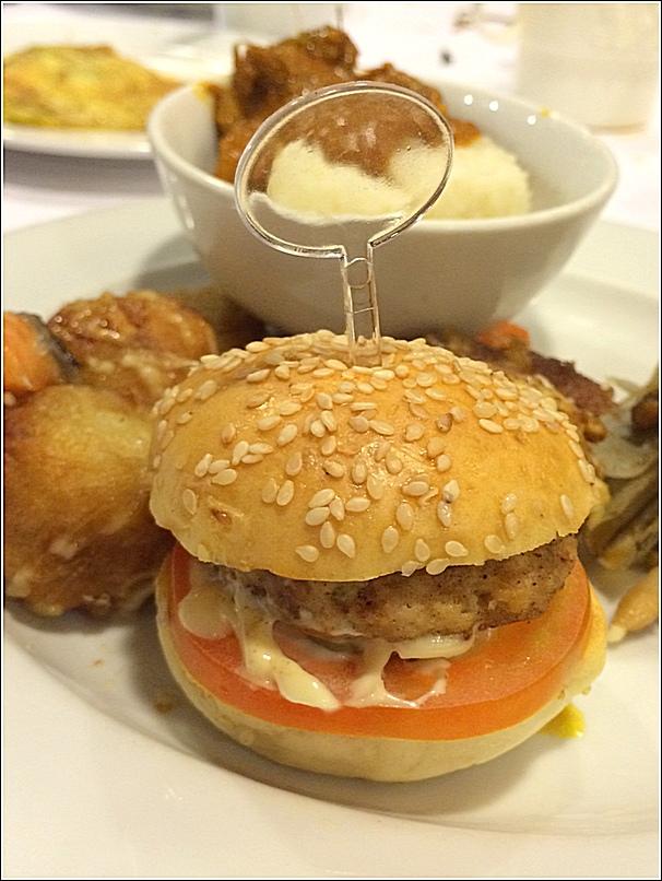 Japanese buffet at Kofuku Japanese Restaurant at Seri Pacific Hotel kids meal