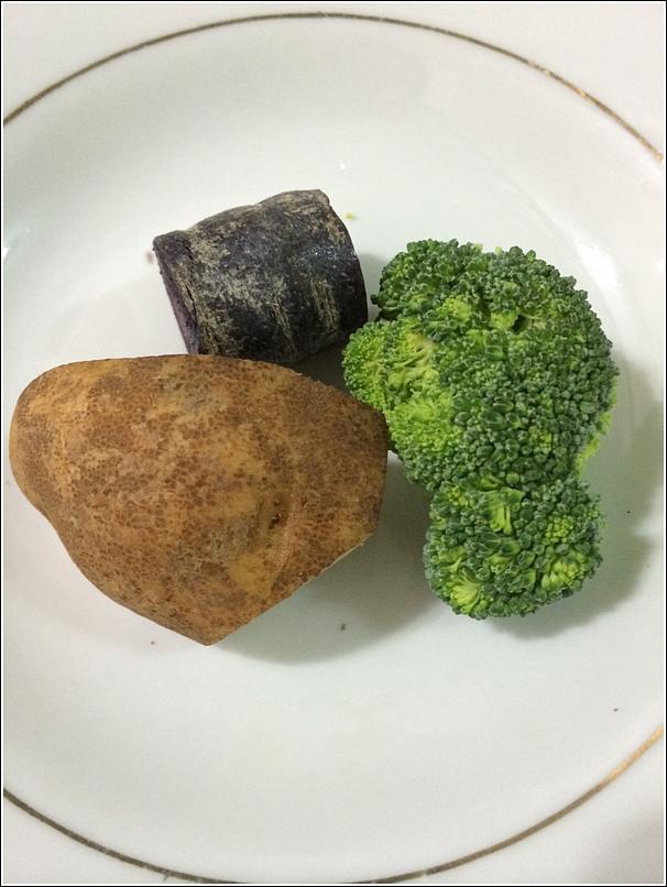 Purple porridge ingredients