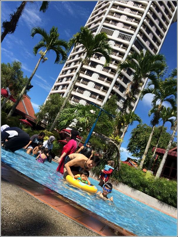 Awana Genting heated swimming pool