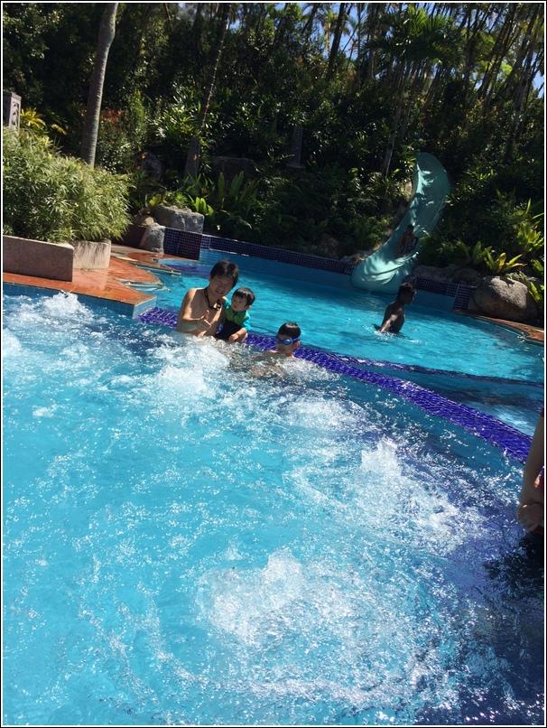 Awana Genting swimming pool jacuzzi
