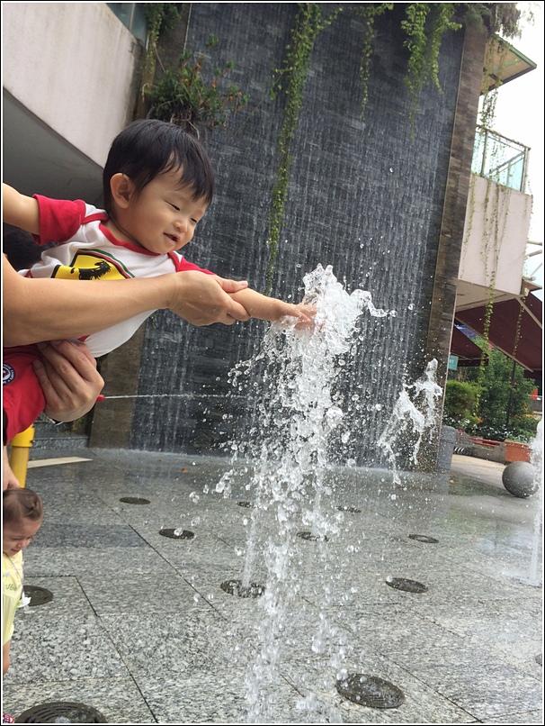 Water Piazza 1 Utama 4