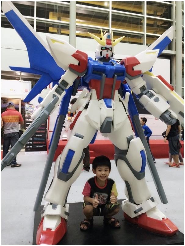 Gundam expo at Ikano1