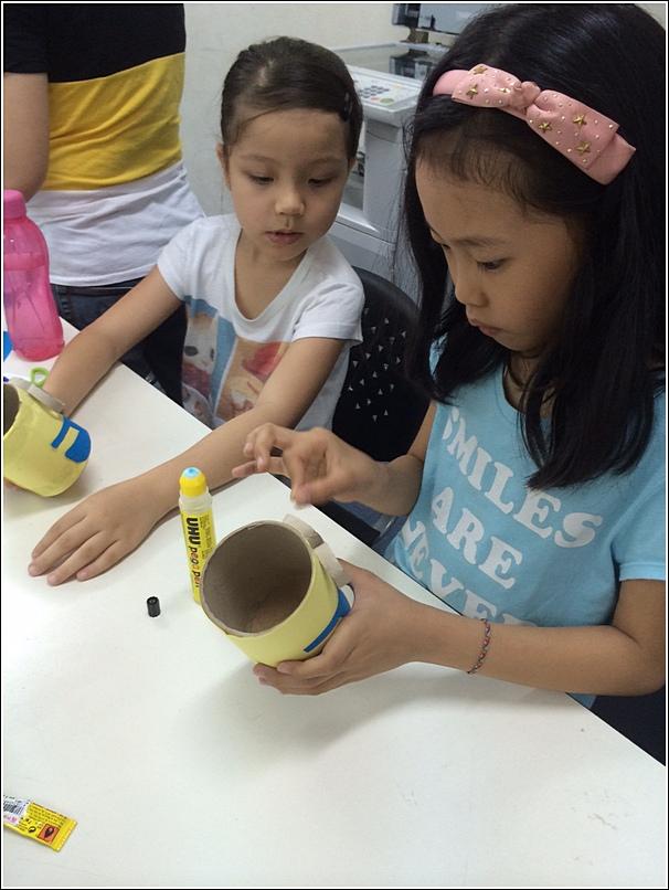 Making a minion pencil holder