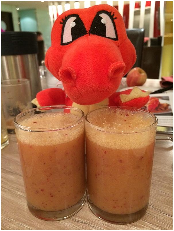 Parkroyal Seafood Buffet free flow fruit juice2