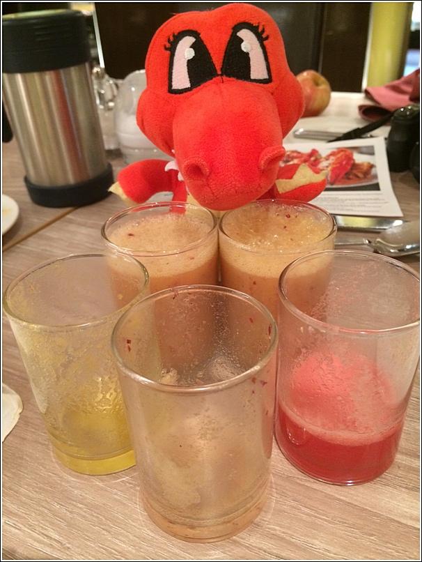 Parkroyal Seafood Buffet free flow fruit juice3