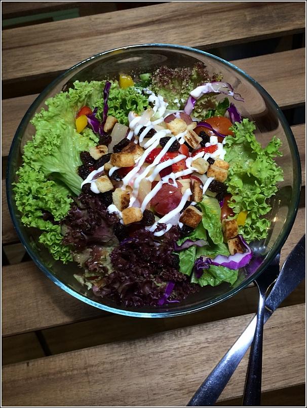 Bmon salad
