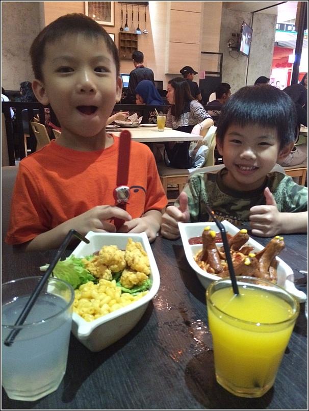 Manhattan Fish Market Kids Meal 1