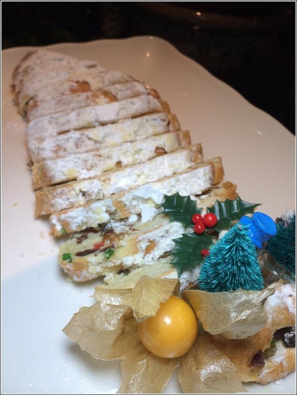 Parkroyal Christmas dessert