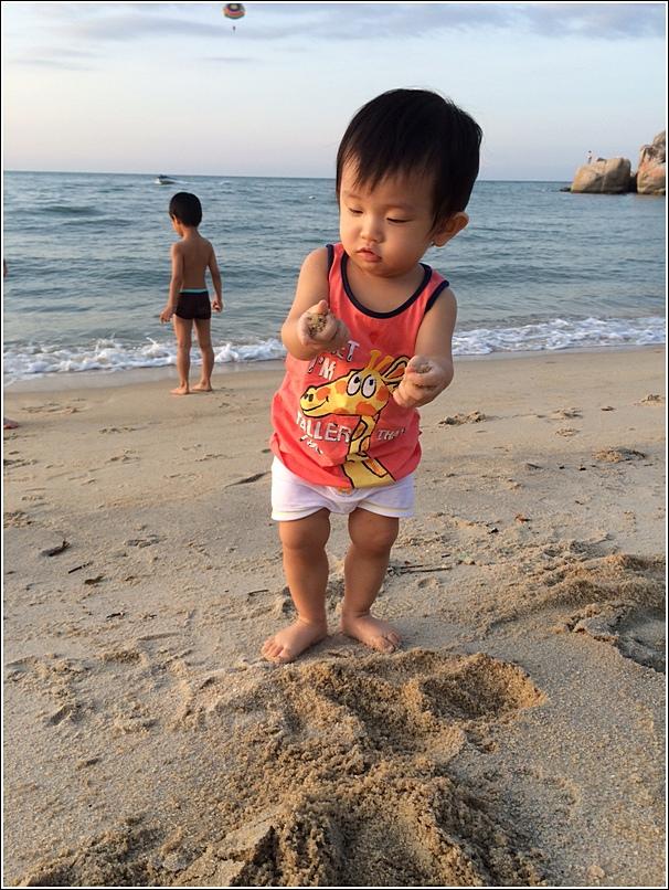 Rasa Sayang Shangri La Penang Beach Ayden and ethan
