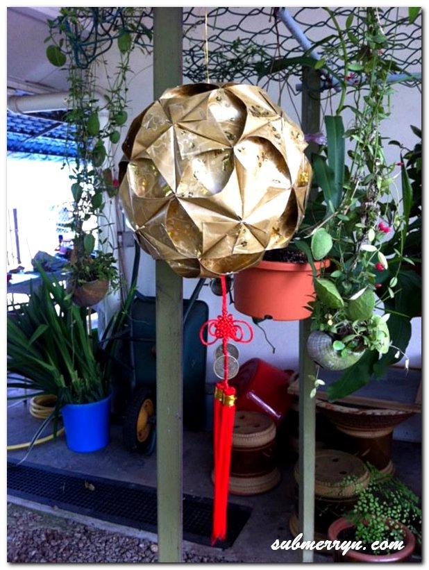 Angpow ball lantern