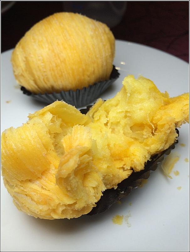 EE Chinese Cuisine CNY menu dessert durian puff