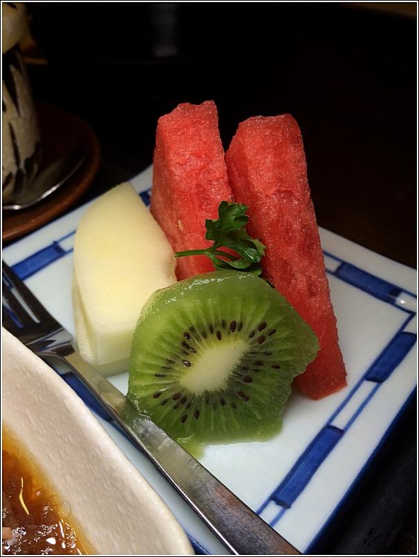 Unagi Bento Fruits