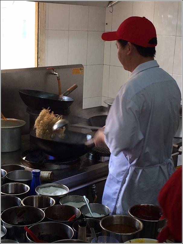 Leng Loong chef