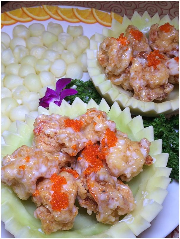 Stir Fried Sea Prawn in Honey Dew Boat