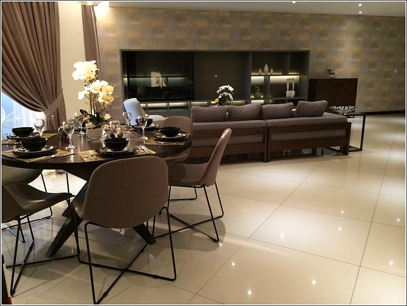 9 Bukit Utama Condo show unit dining living room