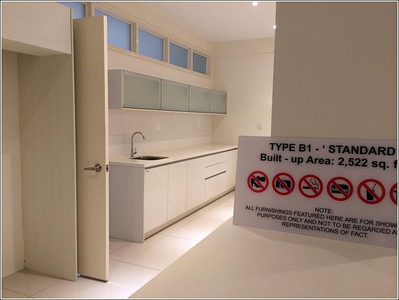 9 Bukit Utama Condo show unit dry kitchen