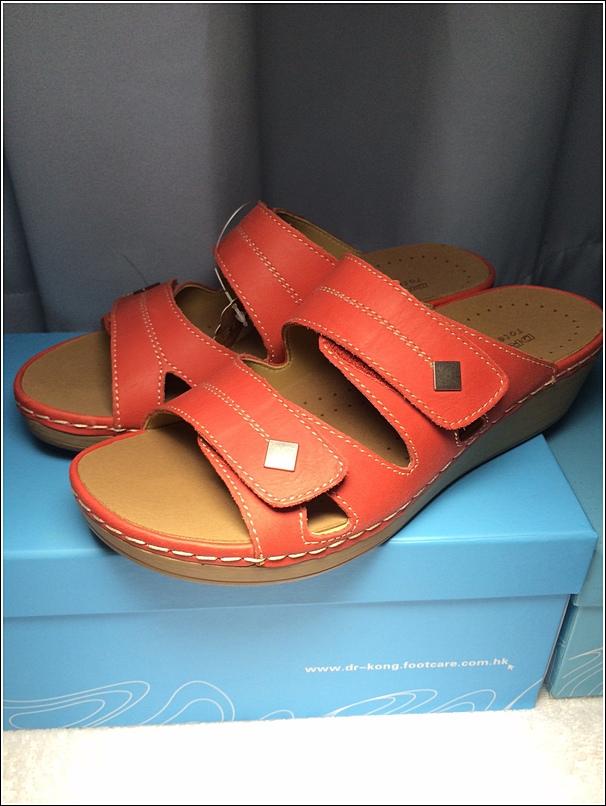 Dr Kong female sandal