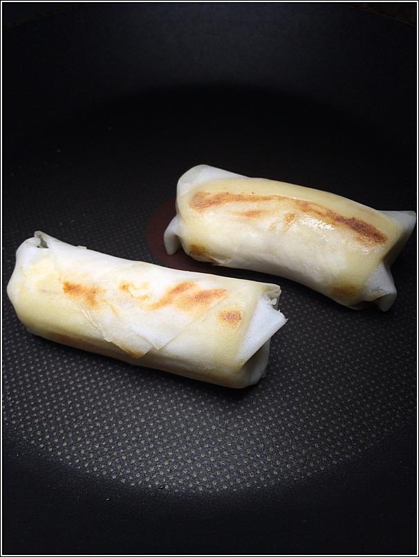 Delicious Rice cooker baked banana popiah recipe