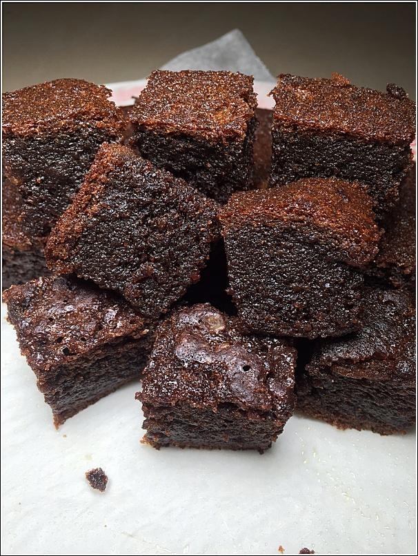 Rice cooker Bake Moist Chocolate Cake