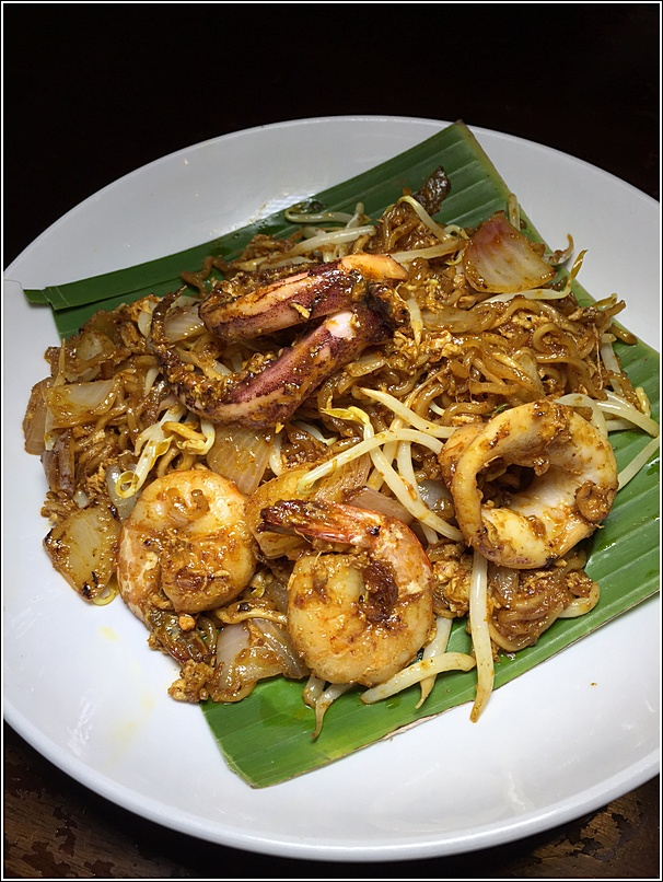 Angcle Peoh tomyam noodles