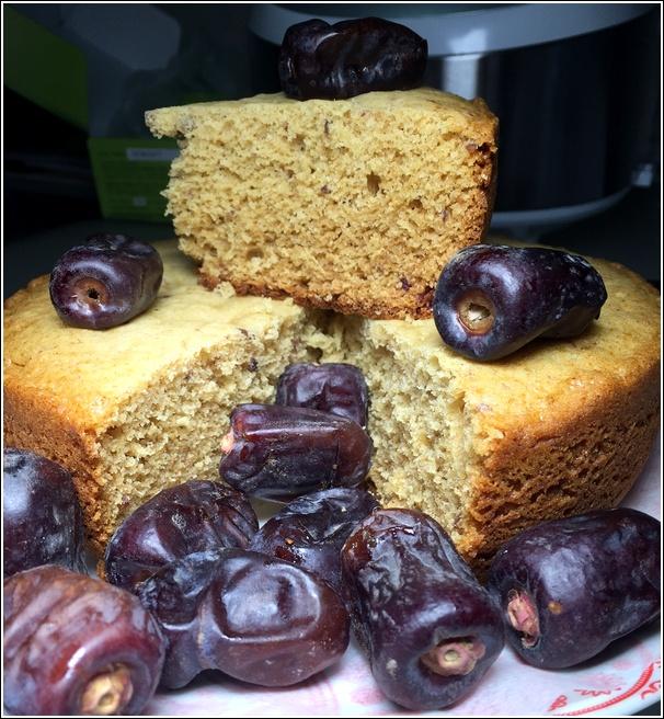 Kurma honey dates cake
