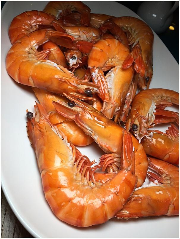 Poached prawns