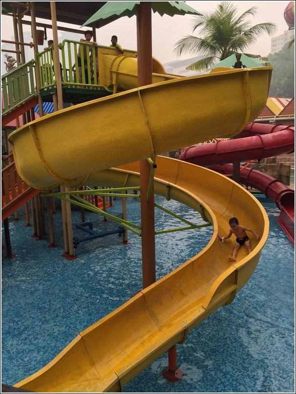 sunway lagoon water park slide
