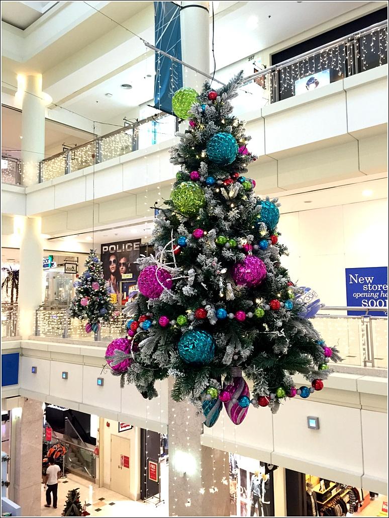 The Curve Christmas decor 2015