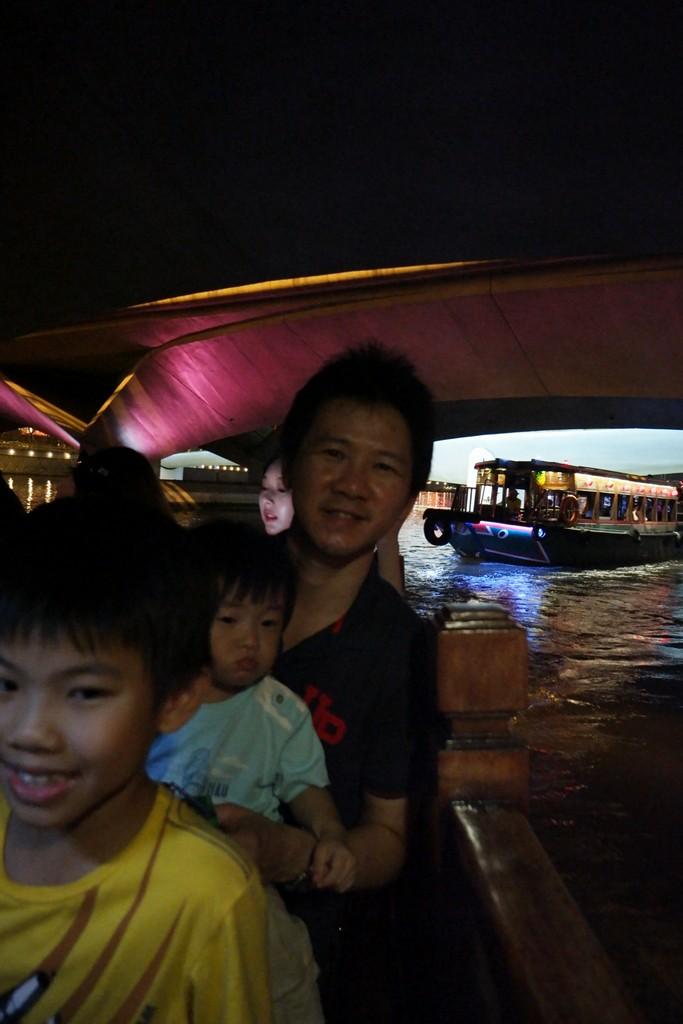 Singapore River Cruise bridge