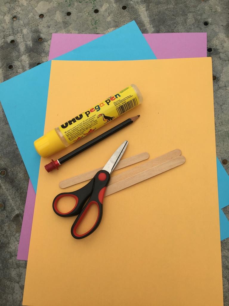 Footprint Popsicle Art materials