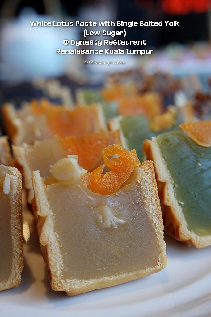white lotus paste with single yolk dynasty renaissance