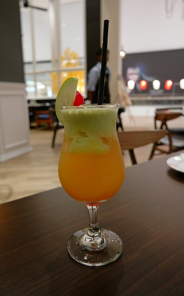 d-empire-cuisine-pavilion-fruit-punch