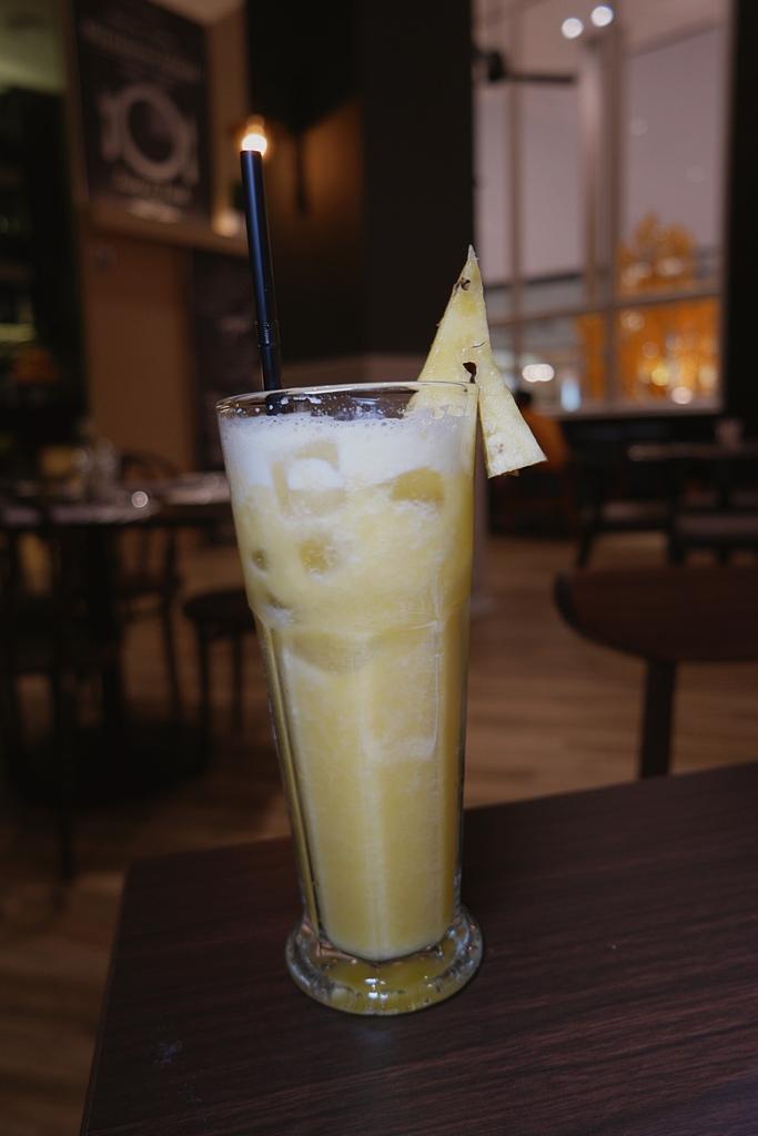 d-empire-cuisine-pavilion-pineapple-juice