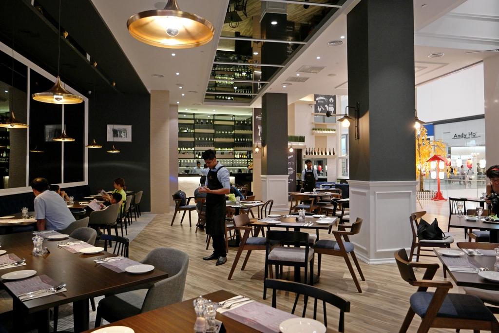 d-empire-cuisine-pavilion-interior-1