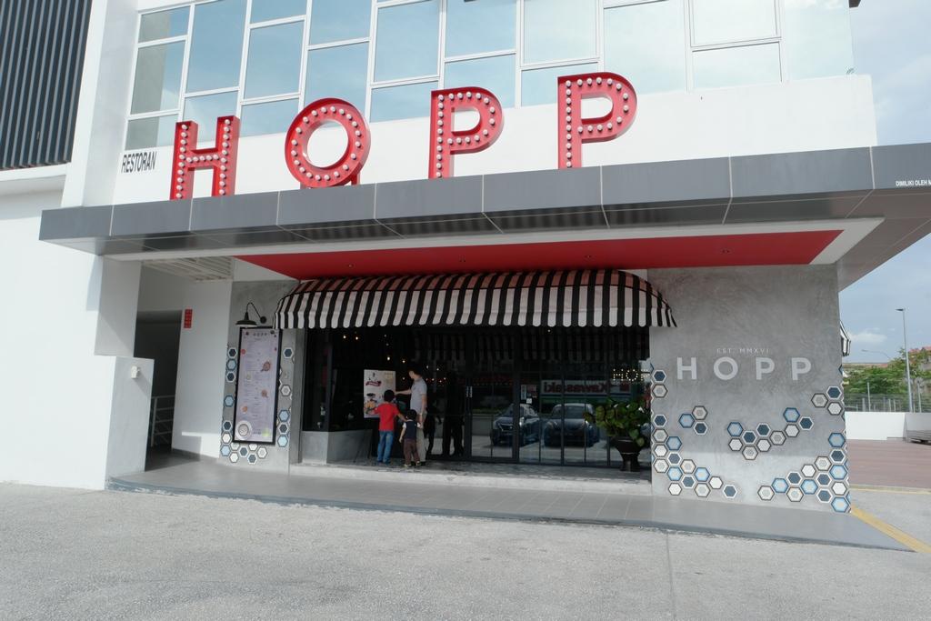 hopp-cafe-sunway