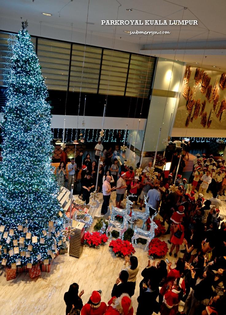 parkroyal-christmas-tree