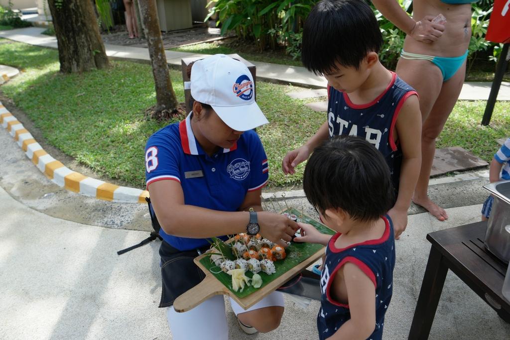 tai-sushi-bar-novotel-phuket-surin