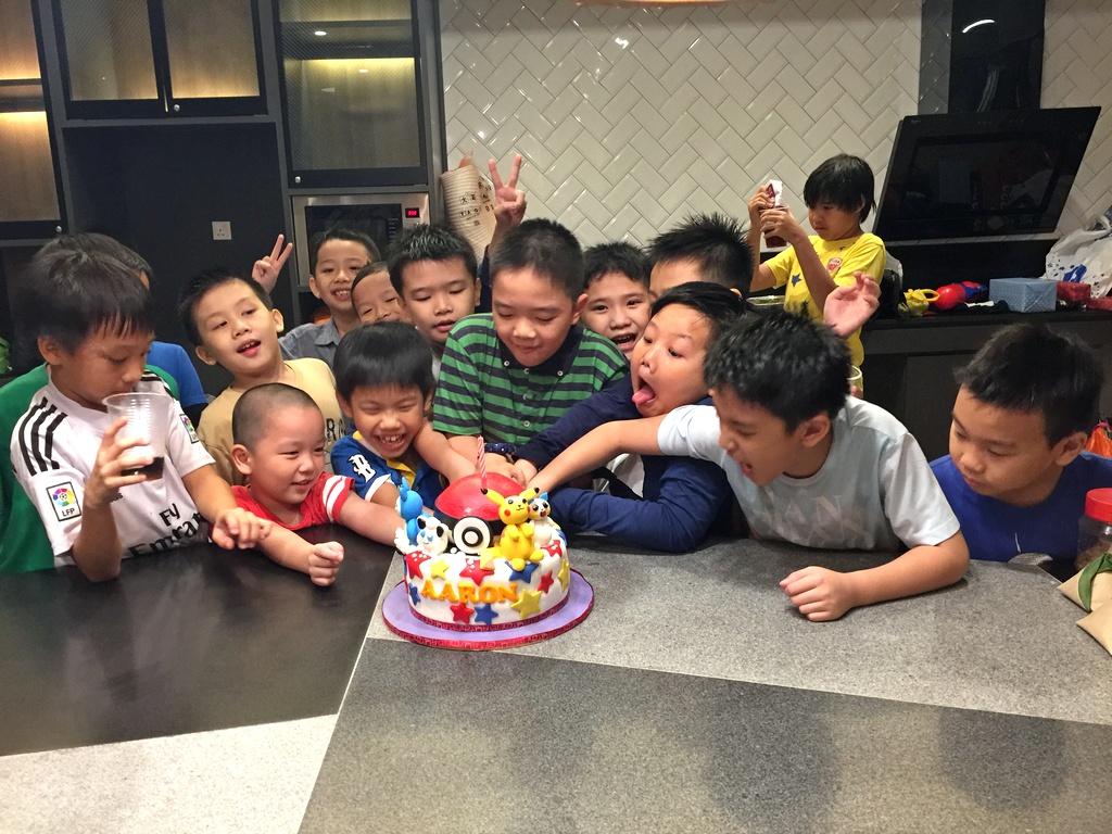 pokemon-birthday-theme-cake