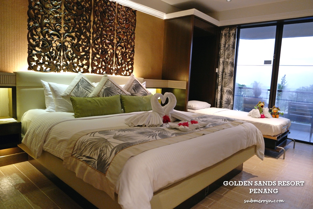 Stunning The deluxe room with interesting traditional wooden carving decor fits a King Sized bed and a plimentary extra bed for Ethan