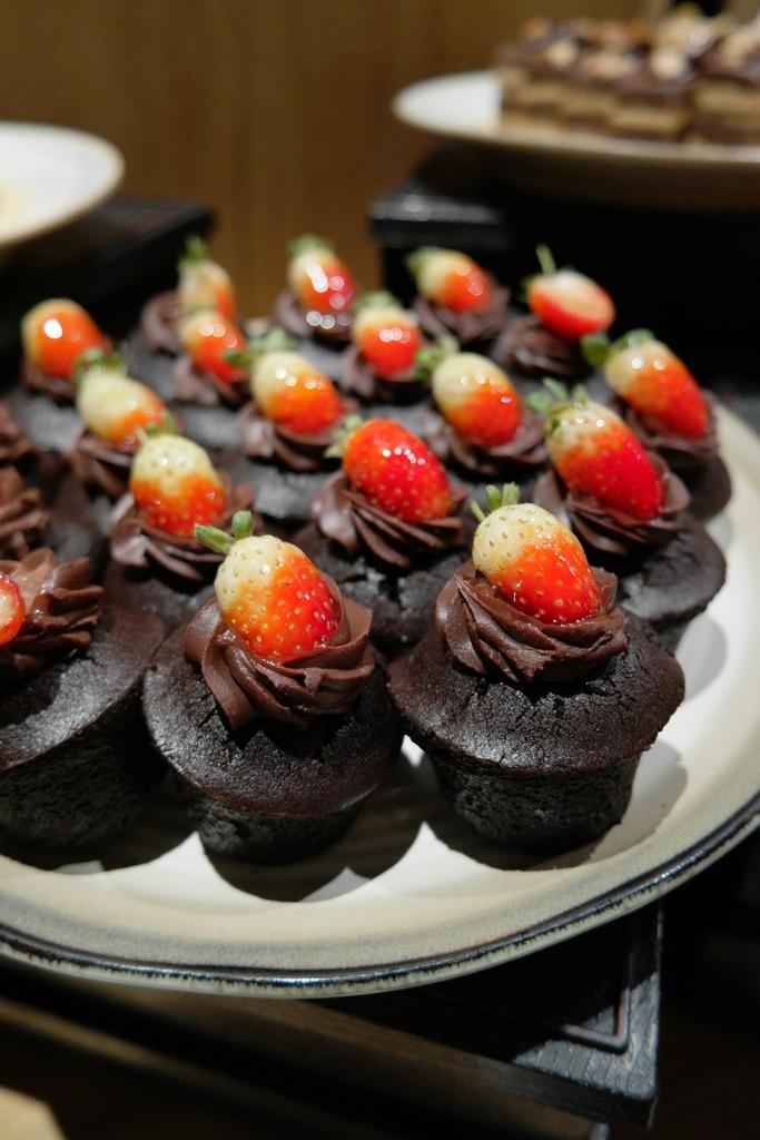 Eyuzu japanese cuisine eastin hotel kuala lumpur home for Asian cuisine desserts